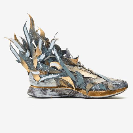 Size : / Medium : paper/spray On Nike shoe  Loacation : Nike Company :