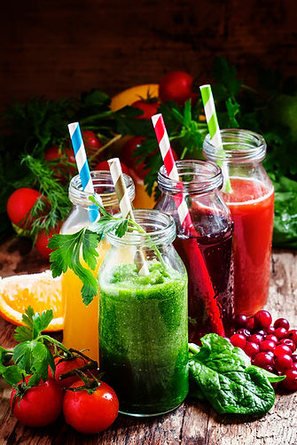 set-of-fruit-and-vegetable-juices-88BVQX