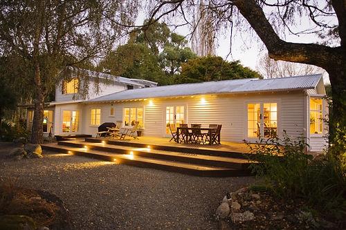 Main_Lodge_building_-_Owen_River_Lodge_s