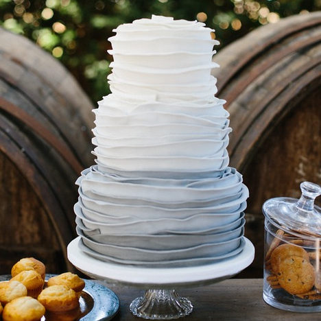 PASTEL DE BODA RUFFLE CAKE