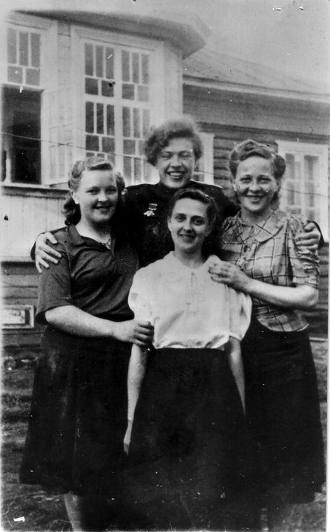 22-Partisankvinner.jpg
