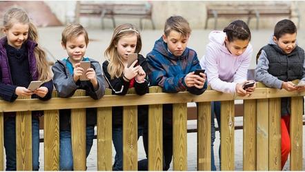 התמכרות לסמאטרפונים בקרב ילדים