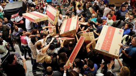 """טירוף קניות- ב""""בלאק פריידיי"""", עכשיו גם בישראל"""