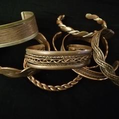 Bracelets cuivre, avec ou sans aimants. non aimanté : 22,50 € aimanté : 26,50 €
