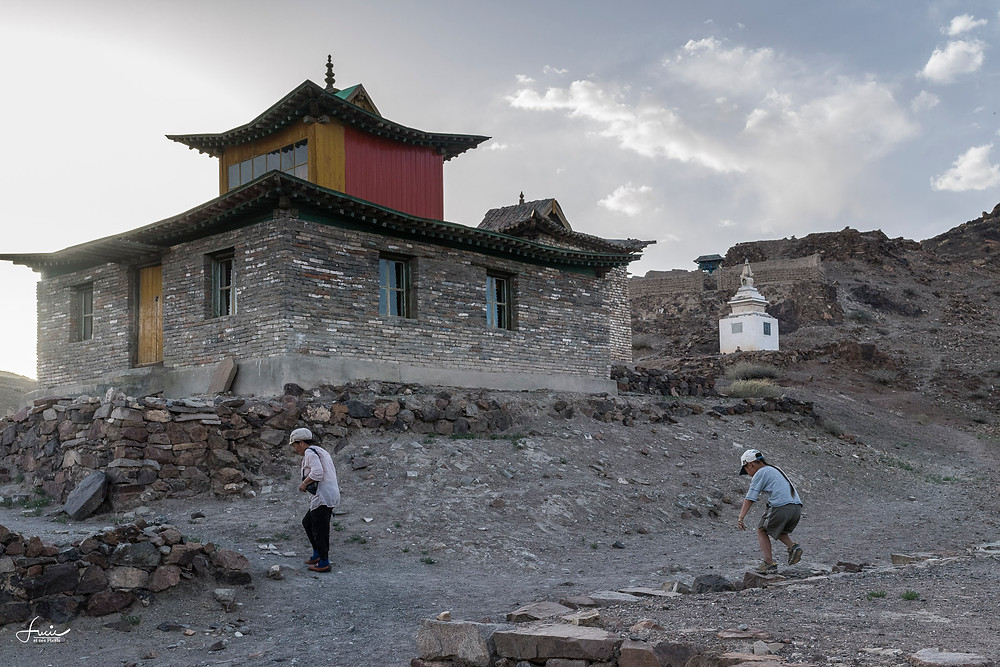 Le monastère et l'enfant