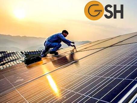 Manutenção de placas fotovoltaicas.
