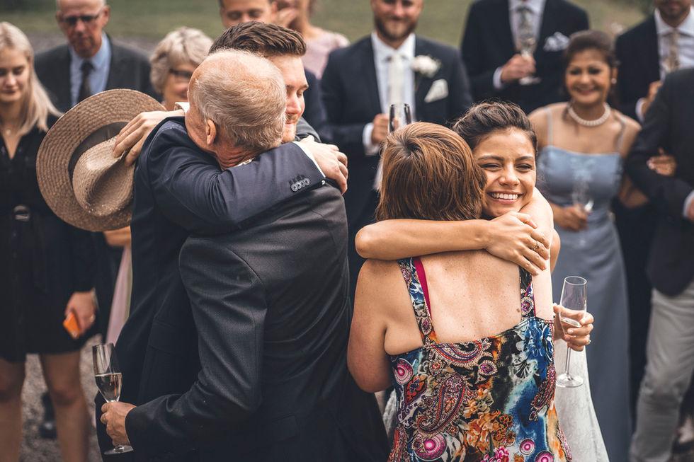Varma kramar från bröllopsfotograf Leon Jiber