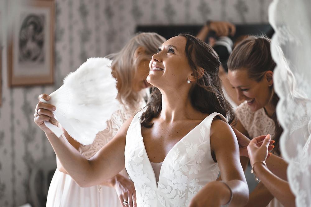 Foto av lyxig bröllopsfotograf på Södertuna Slott   Jiber Weddings