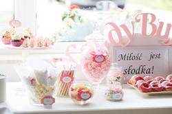 Candy Bar Slodki stol wesele siedlce milosc jest slodka babeczki atrakcja weselna 5