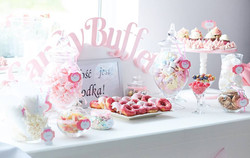 Candy Bar Slodki stol wesele siedlce milosc jest slodka babeczki atrakcja weselna
