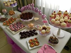 Candy Bar Slodki stol wesele siedlce milosc jest slodka babeczki atrakcja weselna 8