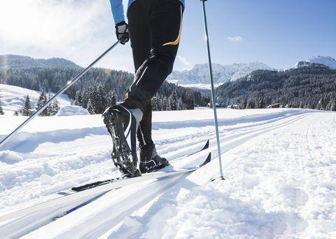 pmx010118-skiing1912-1516720936.jpg