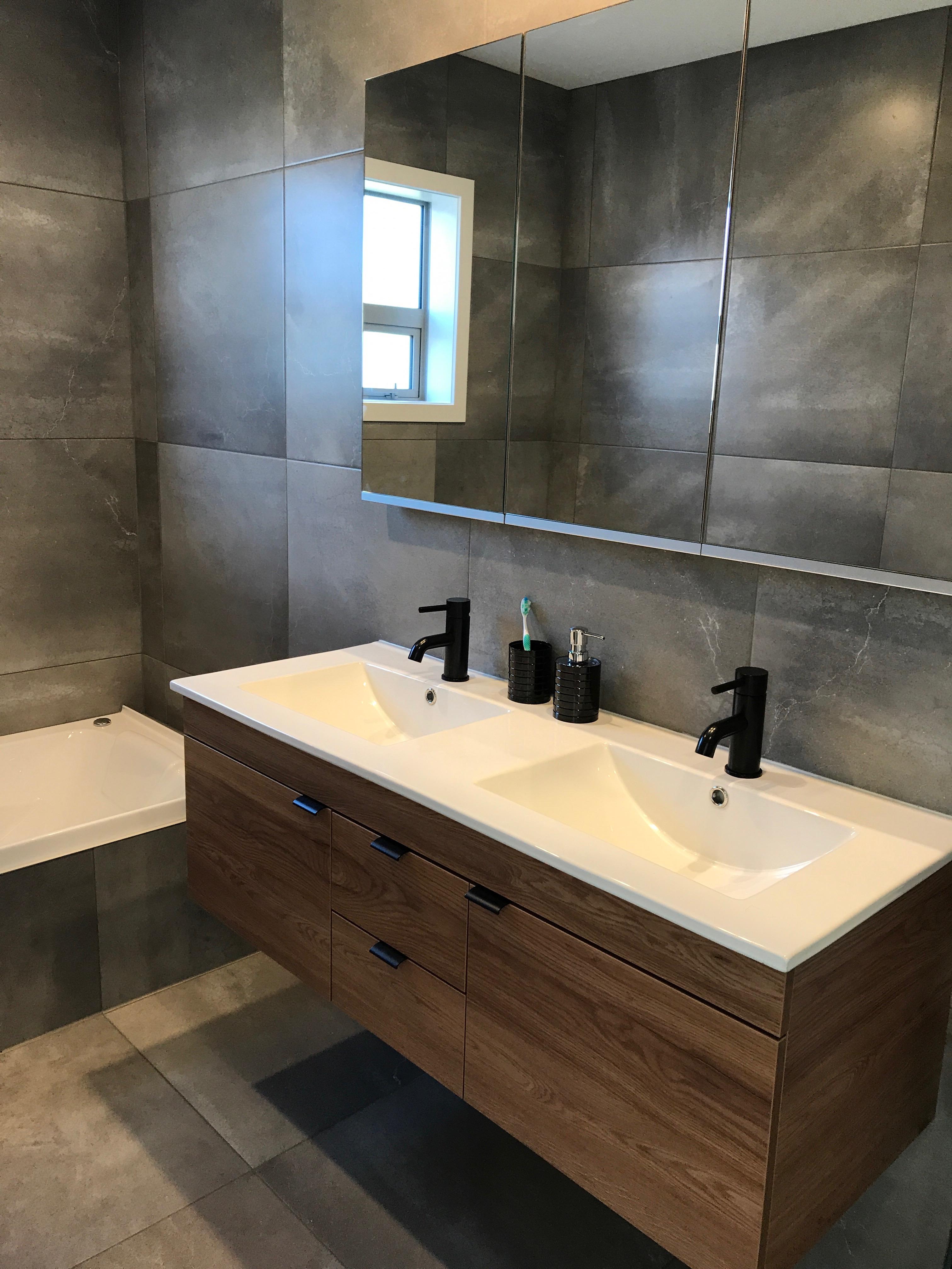 macleans bathroom