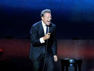 Luis Miguel decepciona a fans y es abucheado durante último concierto.