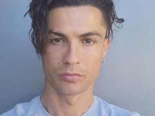 Cristiano Ronaldo revoluciona las redes sociales con su nuevo peinado.