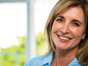 Médicos prometen retrasar 20 años la menopausia.