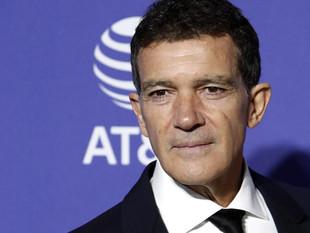 """A Antonio Banderas le """"sorprende mucho"""" que pueda volver el fútbol y no la actuación"""
