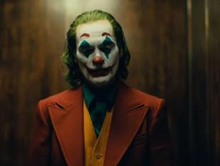 """""""Joker"""" se ubica de nuevo como líder en taquillas."""