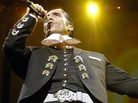 Un vídeo de Alejandro Fernández desata controversia en las redes sociales.