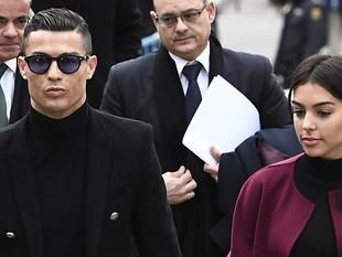Cristiano Ronaldo, condenado a 23 meses de cárcel y 19 millones de multa por fraude fiscal.
