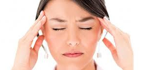 El maquillaje podría causar migraña