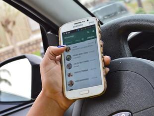 Lugares prohibidos para tu celular en el carro