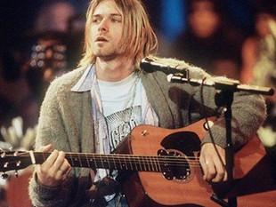 La guitarra del cantante de Nirvana supera el millón de dólares en una subasta