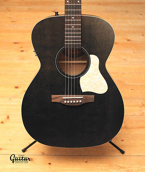 """NEW - Art & Lutherie Concert Hall """"Legacy"""" Faded Black with QIT"""
