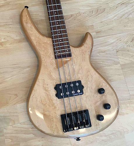 ARIA AVB-200N - Aktiv Bass Gitarre