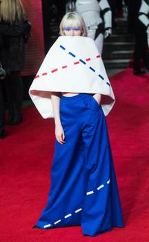 Musician Ivy Mae wearing Gemma Stevens at Star Wars: The Last Jedi European premiere at the Royal Albert Hall, 2018