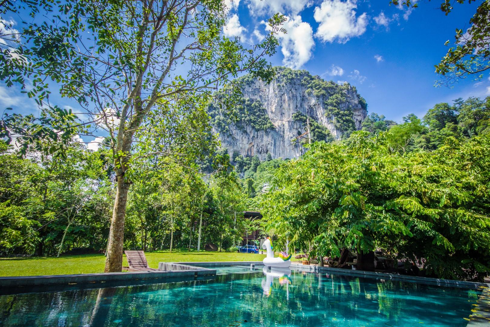 Bukit Takun & Pool