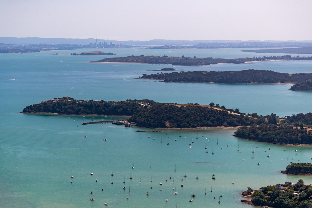 04 aerial of Waiheke Island with boats i