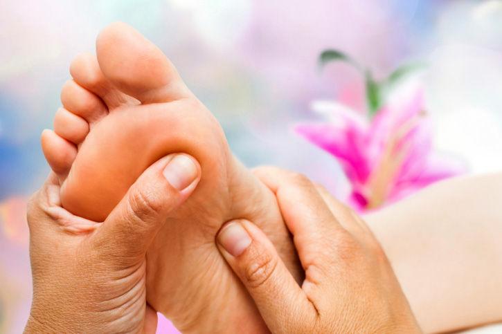 Reflexology w/ Foot Soak & Moisturizer