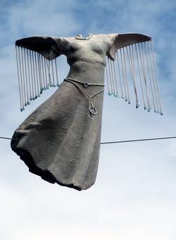 16. Uskrzydlona / A Winged