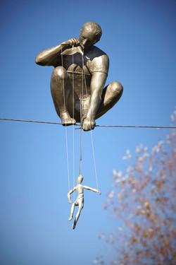 32. Lalkarz / A Puppeteer