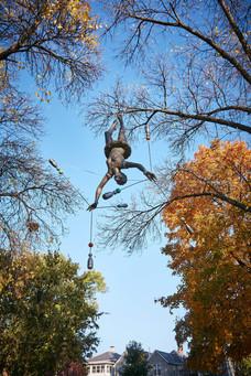 Jerzy Kędziora, The Last Show, balancing sculpture