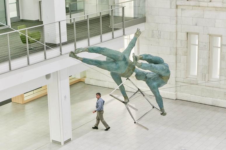 Jerzy Kędziora, Duo z krzesłem, rzeźba balansująca
