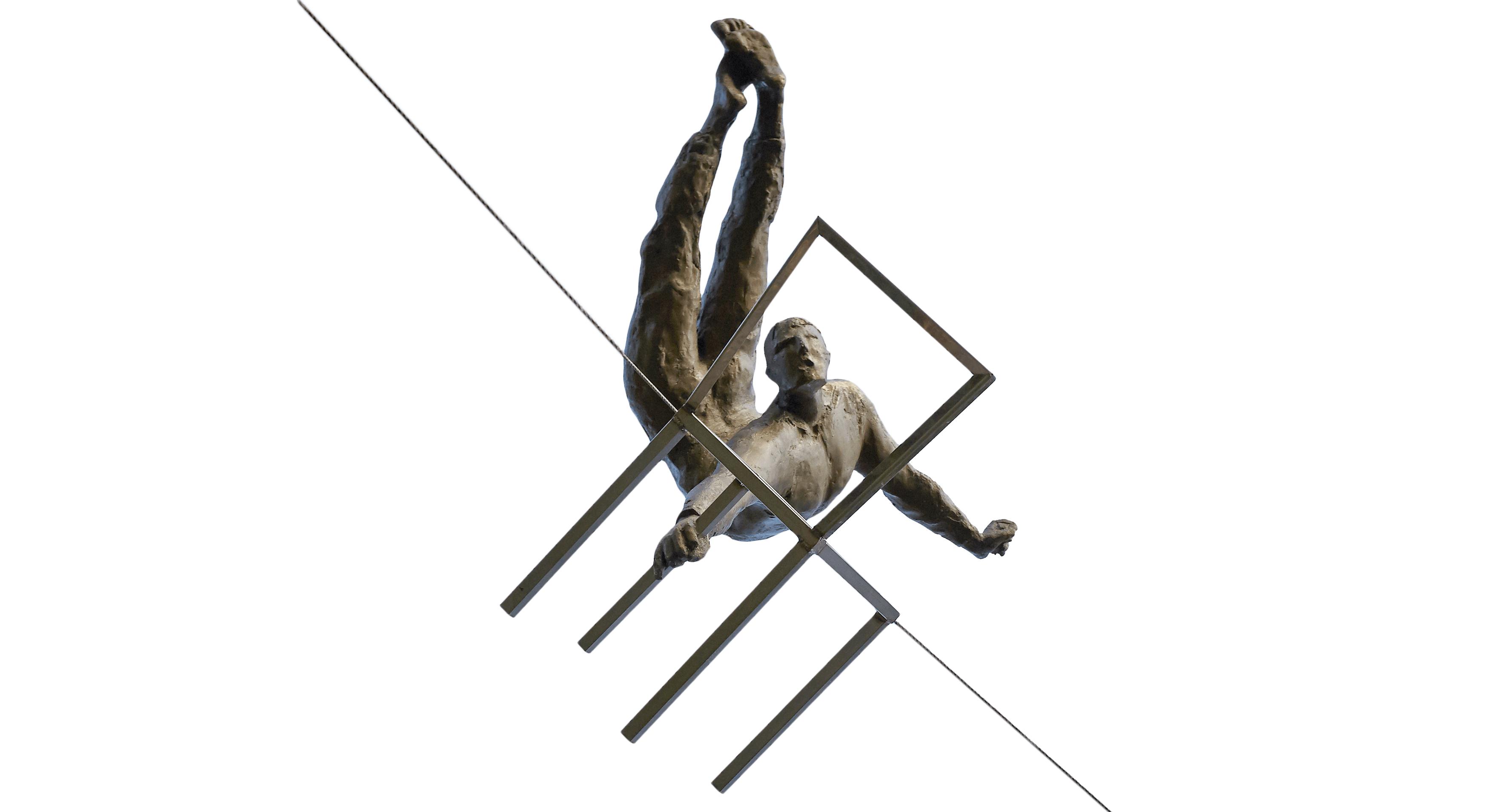 14. Akrobata z krzesłem