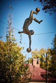 Jerzy Kędziora, Gimnastyczka z piłkami, rzeźba balansująca