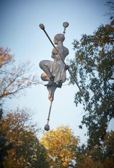 Jerzy Kędziora, Posthelenna, rzeźba balansująca