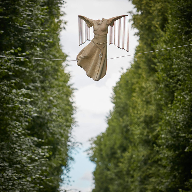 Jerzy Kędziora, Winged, balancing sculpture