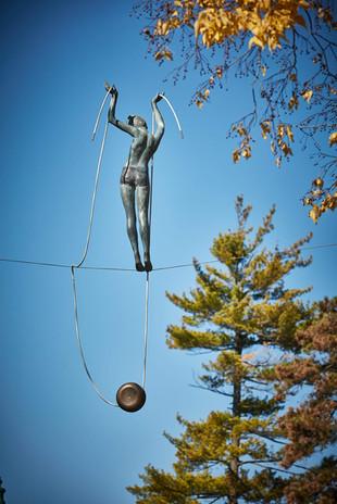Jerzy Kędziora, Dziewczynka z jojo, rzeźba balansująca