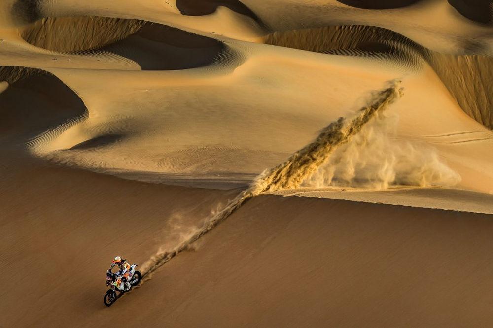 Dakar Round Woman intalnire