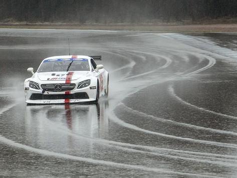 Milla Mäkelä takes home 3rd in 2021 V8 Thunder Championship