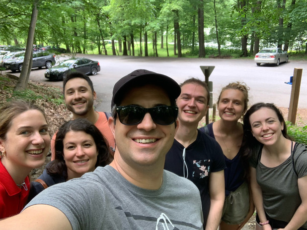 The lab successfull completed a seven mile hike to Bear Mountain!