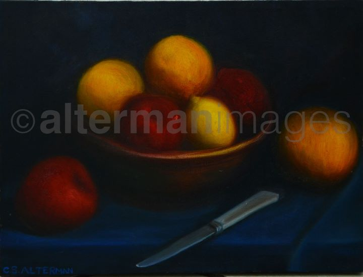 Fruit bowl with knife