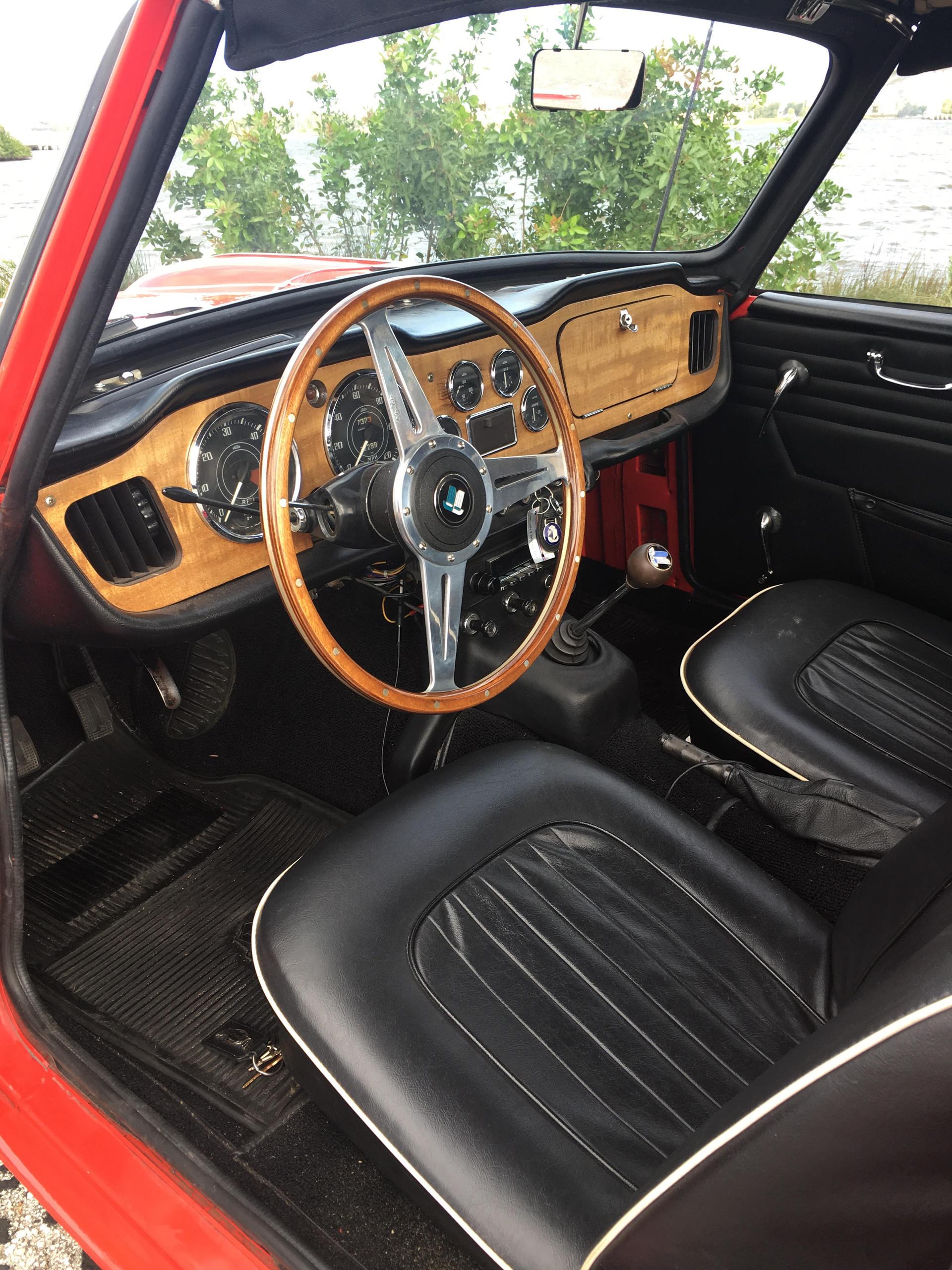 triumph-tr4-interior.jpg