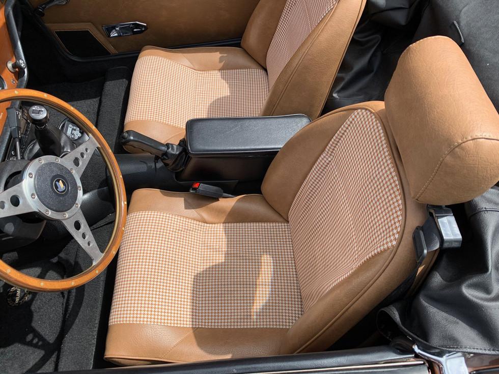 1978-Triumph-Spitfire-interior.jpg