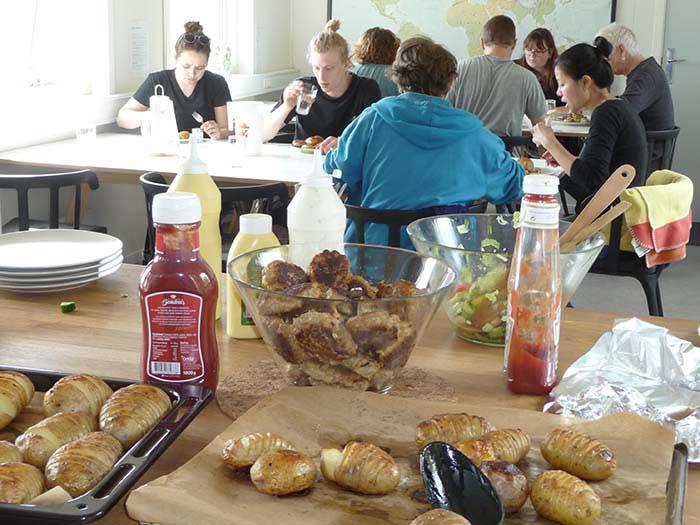 Frokost og fællesspisning