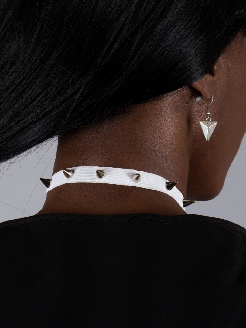 Whit Spiked Choker